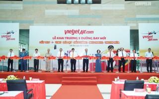 Thủ tướng cắt băng khai trương 5 đường bay mới tại Cần Thơ