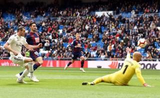 Vòng 31 La Liga: Real Madrid lội ngược dòng thắng Eibar 2-1