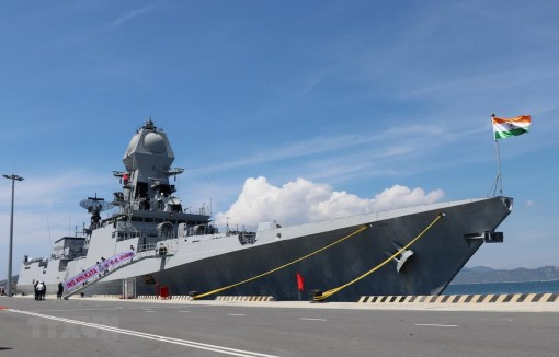 Hai tàu Hải quân Ấn Độ bắt đầu chuyến thăm xã giao Việt Nam