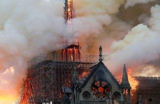 Hỏa hoạn nghiêm trọng tàn phá Nhà thờ Đức bà Paris