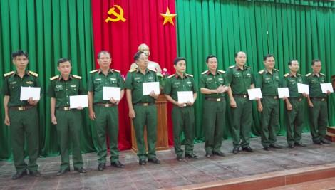Bộ Chỉ huy Quân sự tỉnh trao quyết định nghỉ hưu và bổ nhiệm, điều động sĩ quan