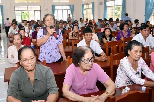 Đoàn đại biểu Quốc hội đơn vị tỉnh tiếp xúc cử tri tại Ba Tri, Giồng Trôm, Châu Thành, Bình Đại