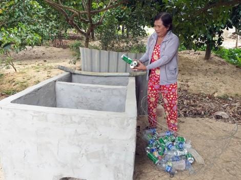 Xây dựng hố rác tại hộ gia đình