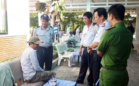 Phạt hành chính đối với hành vi hút thuốc lá tại bệnh viện
