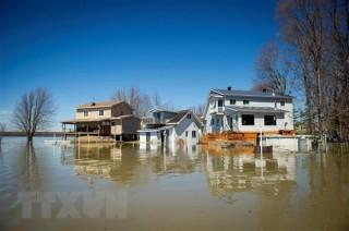 Canada: Đê vỡ, 5.000 dân phải đi sơ tán khi nước dâng cao