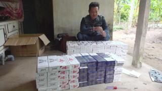 Bắt quả tang đối tượng đang vận chuyển 1.200 bao thuốc lá lậu