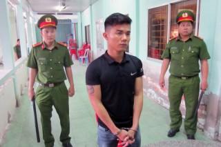 Khởi tố, bắt tạm giam nhóm 4 đối tượng chém người gây thương tích