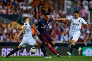 Arsenal giành chiến thắng 4-2 ngay trên sân Valencia