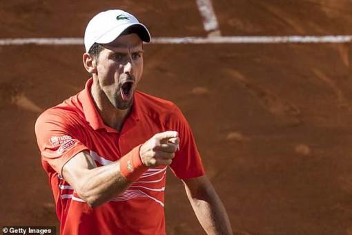 Djokovic - Tsitsipas: Vũ điệu tấn công đoạt cúp xứng đáng