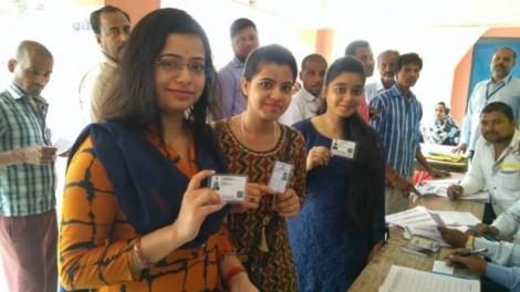 Cử tri Ấn Độ đi bỏ phiếu giai đoạn cuối của cuộc bầu cử Hạ viện