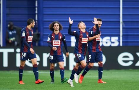 Vòng 38 La Liga: Eibar và Barcelona 2-2
