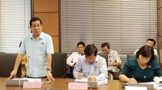 Đoàn đại biểu Quốc hội tỉnh Bến Tre thảo luận tổ về kinh tế - xã hội