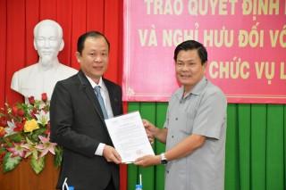 Trao quyết định bổ nhiệm, bổ nhiệm lại và nghỉ hưu đối với công chức, viên chức giữ chức vụ lãnh đạo, quản lý