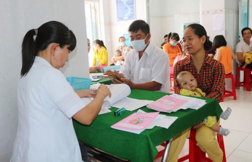 88 ca phản ứng bất lợi sau tiêm vắc-xin SII