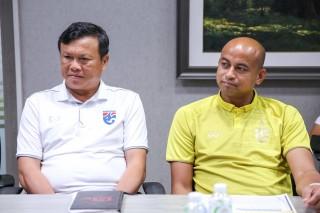 Thái Lan chính thức chia tay HLV Sirisak Yodyardthai