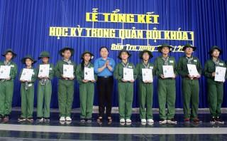 80 chiến sĩ hoàn thành  khóa huấn luyện học kỳ trong quân đội