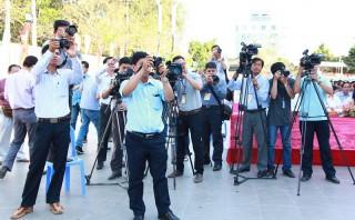 Vững bước với nghề báo
