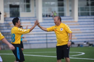 HLV Park Hang Seo giao lưu bóng đá cùng các phóng viên, nhà báo