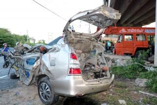 Tai nạn giao thông trên cầu Hàm Luông