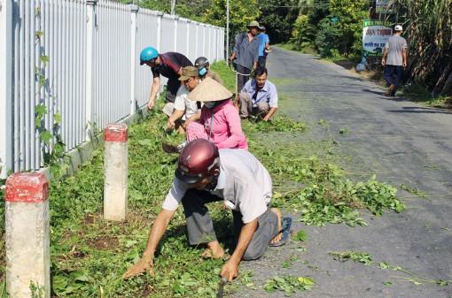 Người dân Tổ 3, ấp Tiên Đông tích cực xây dựng nông thôn mới