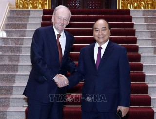 Thủ tướng Nguyễn Xuân Phúc tiếp cựu Thủ tướng Canada Jean Chretien