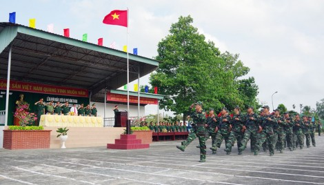 Xây dựng nền quốc phòng toàn dân vững mạnh