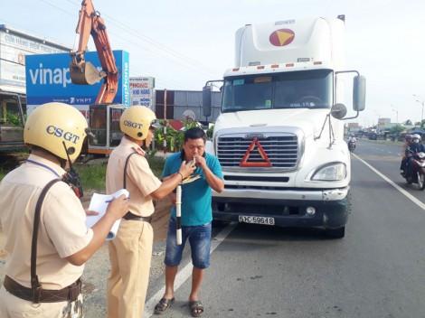Ra quân tổng kiểm soát các phương tiện giao thông