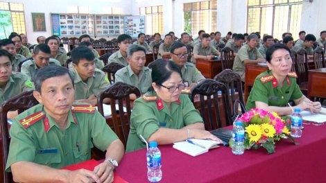 Tập huấn nghiệp vụ cho lực lượng bảo vệ dân phố