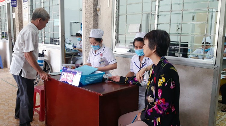 Bệnh viện Y học cổ truyền khám bệnh, chữa bệnh ngoại trú vào ngày nghỉ