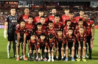 Văn Lâm tỏa sáng, Muangthong United giành chiến thắng tối thiểu trước Chiangrai United