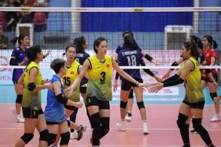 Thanh Thúy nhận giải VĐV xuất sắc nhất giải U23 châu Á