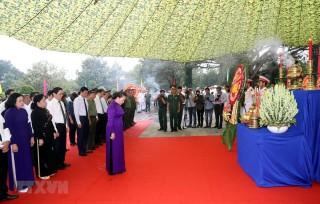 Chủ tịch Quốc hội dự Lễ an táng hài cốt liệt sĩ tại Tây Ninh