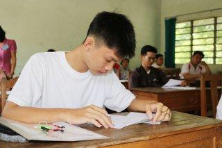 Tặng bằng khen cho 7 trường THPT có 100% học sinh đỗ tốt nghiệp THPT  quốc gia
