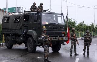 Ấn Độ tách bang Jammu và Kashmir thành hai vùng lãnh thổ liên bang