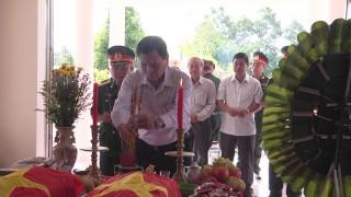 Giồng Trôm cải táng hài cốt liệt sĩ về nghĩa trang huyện