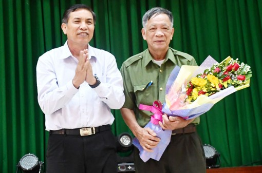 Họp mặt ôn lại truyền thống 74 năm Công an nhân dân Việt Nam