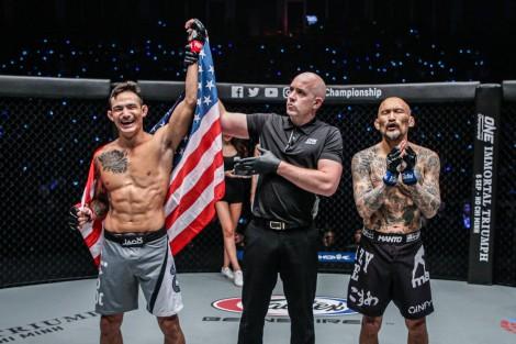 ONE Championship:  Thanh La hạ knock-out đối thủ chỉ sau 88 giây