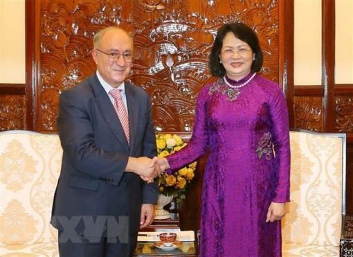 Phó chủ tịch nước tiếp Chủ tịch Tổ chức hỗ trợ đại học thế giới Đức