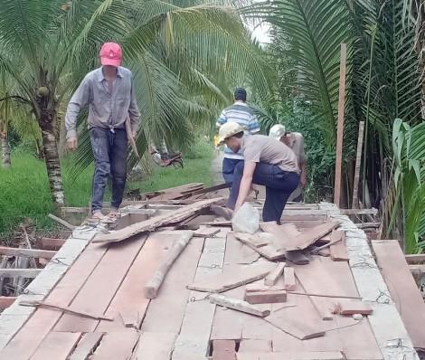 Tích cực vận động kinh phí xây dựng cầu, đường nông thôn