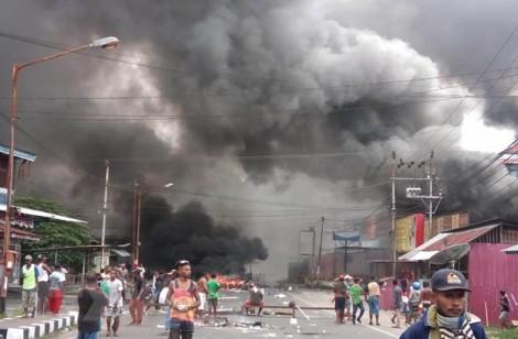 Indonesia: Bạo loạn bùng phát ở Papua, tòa nhà chính quyền bị phá hoại