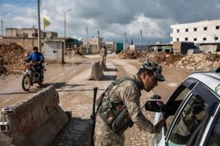 """""""Bóng ma khủng bố"""" IS đang trỗi dậy ở Iraq và Syria"""