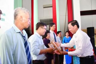169 cá nhân nhận bằng khen trong xây dựng nông thôn mới