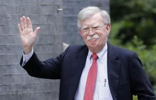 Cố vấn an ninh quốc gia Mỹ John Bolton công du Ukraine