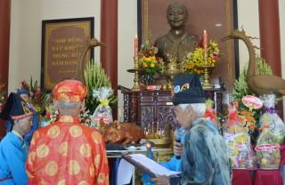 Tổ chức lễ kỷ niệm 27 năm Ngày mất của Nữ tướng Nguyễn Thị Định