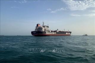 Bắt giữ tàu nghi buôn lậu gần 284.000 lít dầu diesel