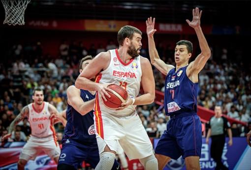 Tây Ban Nha và Serbia bắt tay nhau vào tứ kết