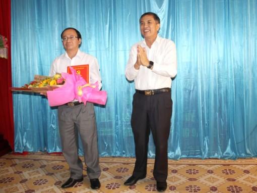 Ông Nguyễn Văn Dũng giữ chức Phó bí thư huyện ủy Bình Đại