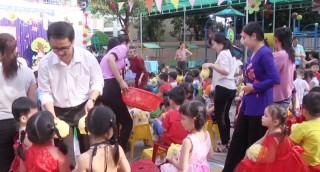 Hàng ngàn suất quà trung thu cho trẻ em có hoàn cảnh khó khăn trên địa bàn tỉnh