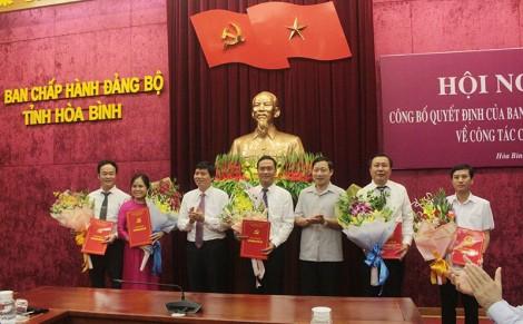 Tỉnh ủy Hòa Bình điều động, luân chuyển nhiều cán bộ