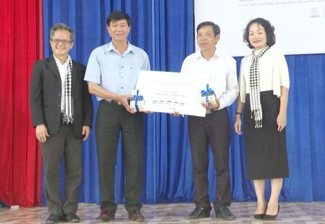 Chương trình Hành trình từ trái tim tại huyện Thạnh Phú